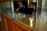 Blick in i köket i ett av lärarrummen