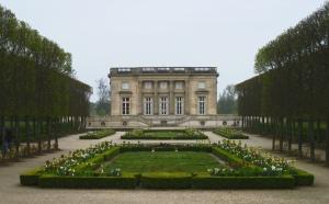 Petit Trianon i Versailles - som aldrig fick de två planerade borden.